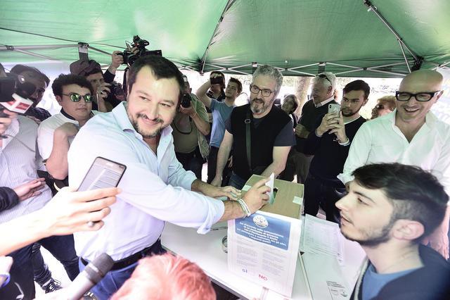 Governo: al via il voto dei militanti al contratto di Governo con i 5 Stelle