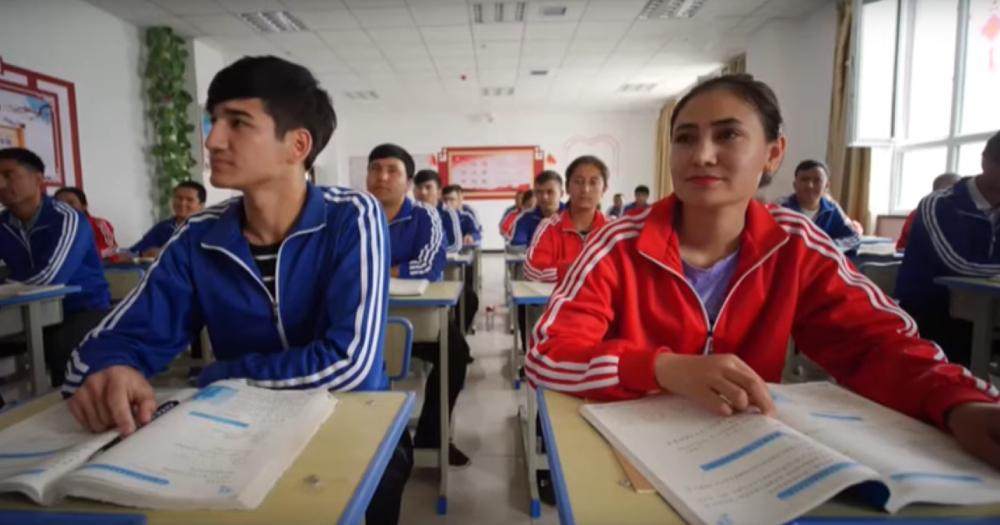 Uiguri a scuola