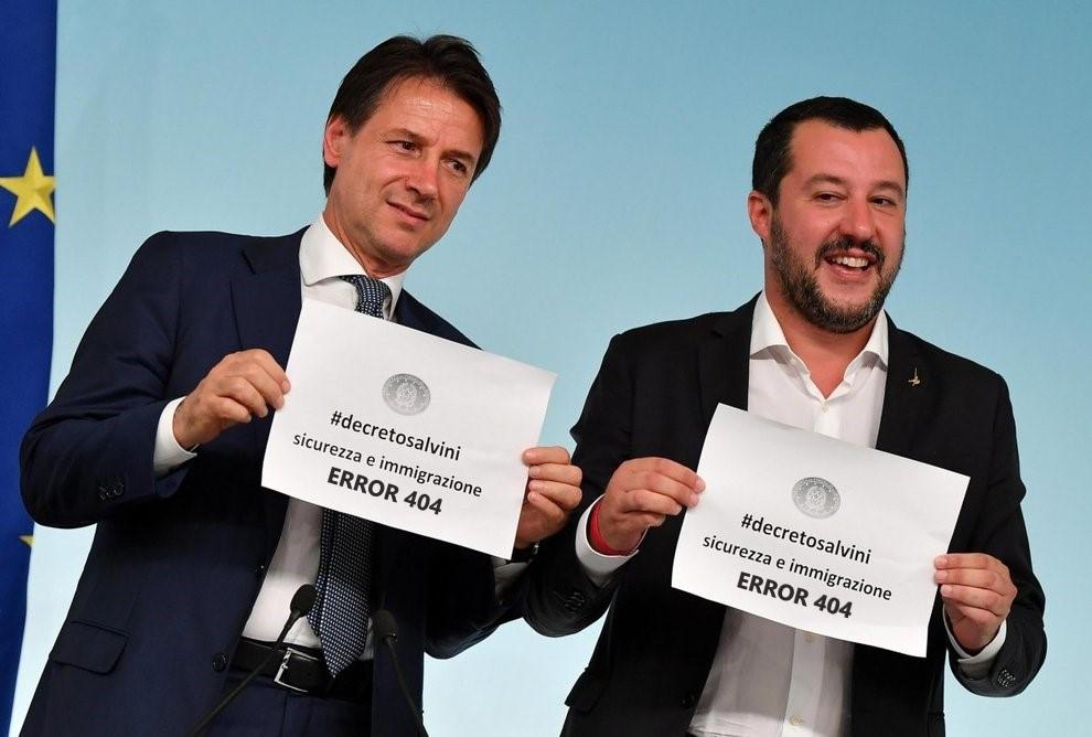 Il presidente del Consiglio dei Ministri Conte e l'ex ministro Salvini annunciano i decreti sicurezza nel 2018