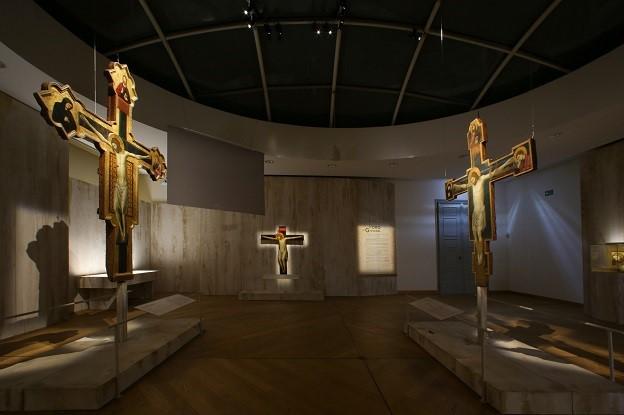 Sala L'Oro di Giovanni. Croci di Giovanni da Rimini